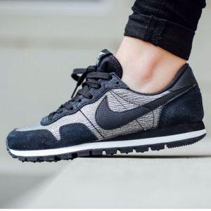 Nike Air Pegasus  83 Black Metallic Sneakers Sz 8 7b198a7155